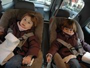 El peligro de usar chaqueta en un asiento de seguridad infantil