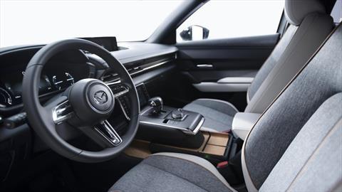 Mazda usa plásticos reciclados en sus carros