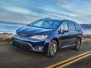 Chrysler Pacifica Hybrid 2017 es nombrada como la minivan más eficiente