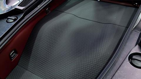 McLaren revestirá los baúles de sus autos con material aeroespacial