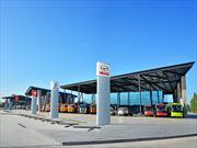 Indumotora inaugura la mayor y más moderna planta de camiones y buses de Chile