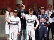 F1: Mercedes-Benz deja libres a sus pilotos (pero no tanto)
