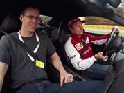 Raikkonen maneja el Ferrari F12berlinetta