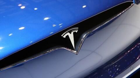 Tesla sigue vendiendo eléctricos como pan caliente