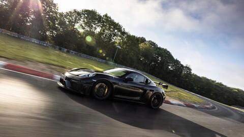 El nuevo Porsche 718 Cayman GT4 RS lo deja todo en Nürburgring