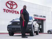 Maneja su Tundra un millón de millas y Toyota le entrega una nueva
