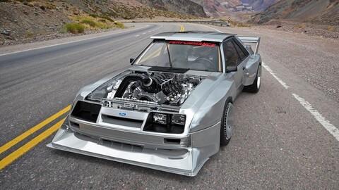 Este Mustang Fox es una locura de poder gracias al V8 de 7.3 litros de la Super Duty