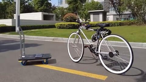 Esta bicicleta autónoma hasta se balancea sola