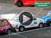 Video: así se marca el Récord Guinness de estacionamiento en marcha atrás
