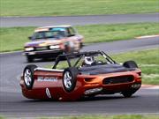 Un Chevrolet Camaro invertido causa furor en LeMons