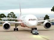 Un Tesla Model X remolca un Boeing 787 de 110 toneladas