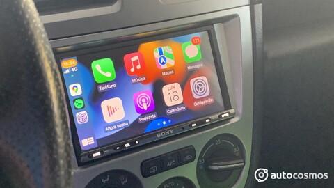 Apple busca mejorar CarPlay para controlar más funciones del auto