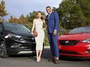 Cam Newton y Miranda Kerr, figuras de Buick para el Super Bowl
