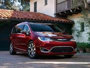Chrysler Pacifica 2017 tiene un precio inicial de $28,595 dólares.