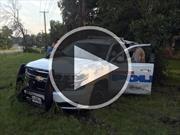 Video: Una mujer se zafa de las esposas y se lleva un patrullero