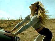 Buick le enseña cómo hacer yoga en el carro