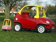 Crean un Little Tikes Cozy Coupe de tamaño real