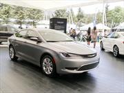 Chrysler 200 2015 llega a México desde $340,000 pesos