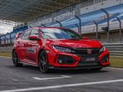 Honda Civic Type R sigue de gira y ahora la rompió en Estoril