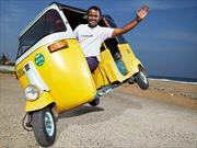 Nuevo Récord Guinness de un mototaxi sobre dos ruedas