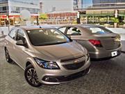 Chevrolet x 2: Presentación del Onix y del Prisma