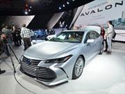 Toyota presenta la nueva generación del Avalon, un sedán de lujo