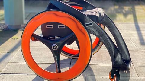 Empresa recibe 1 millón de dólares de Toyota por diseñar una innovadora silla de ruedas