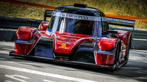 Adorable y violento: Mirá este auto de competición que pesa apenas 420 Kg