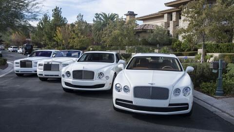 Floyd Mayweather nos muestra su colección de autos blancos