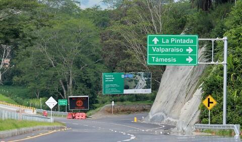 Actualizan cerca del 50% de las señales de tránsito elevadas de Bogotá