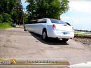 Video: Tren choca contra limusina