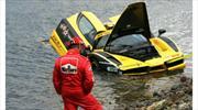 Un Ferrari Enzo cae en el Océano Atlántico