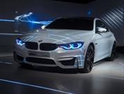 BMW M4 Concept Iconic Lights, con luces láser y OLED