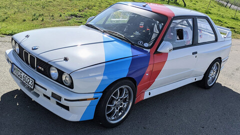 BMW M3 1990 de 321 Hp, no tenía ni motor y regresó a la vida con un corazón de M3 E36.