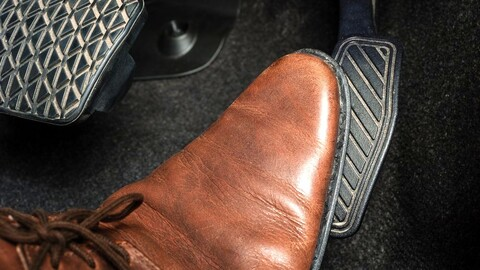 Seguridad: Toyota mejoró el sistema que corrige el mal uso de los pedales