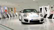 Capots de Porsche 911 GT2 transformados en obras de arte