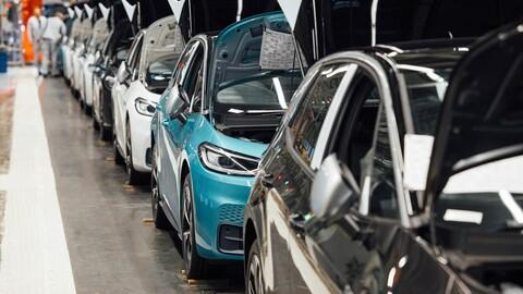 Volkswagen Group busca superar Tesla en la producción de autos eléctricos antes de 2023