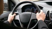 ¿Cuáles son las causas que provocan vibración en el volante del automóvil?