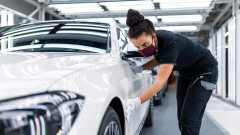 Los autos eléctricos sacan ventaja entre las bajas ventas del sector automotriz mundial