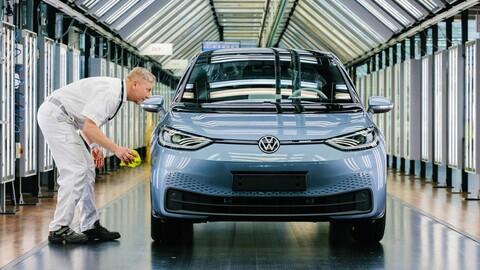 Volkswagen suspende la producción de la versión de entrada del ID.3