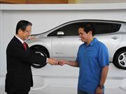 Propietario recibe el primer Nissan Leaf 2015 en México