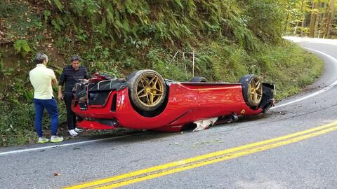 Esta Ferrari 488 Pista Spider vé todo al revés