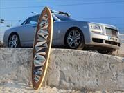 Rolls-Royce se da el tiempo de diseñar esta fabulosa tabla de surf