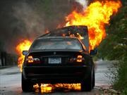 ¿Qué hacer si un automóvil se incendia?