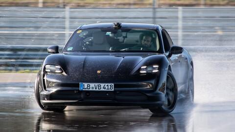 Porsche Taycan logra el derrape más largo del mundo para un eléctrico