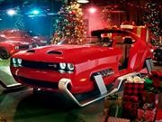 Navidad infernal: Papá Noel se cambia a un Dodge Challenger SRT Hellcat Redeye