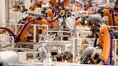 Volkswagen automatizará las plantas de Emden, Hanover y Chattanooga para producir coches eléctricos