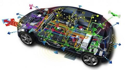¿Por qué existe una escasez de chips en la producción de automóviles?