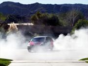 Video: Toyota Sienna de 550 CV, derrape colectivo