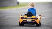 Si no puedes comprar un McLaren para ti, puedes regalarle uno a tu hijo